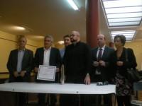 Entrega do X Premio de Tradución Plácido Castro, Corcubión.De esquerda a dereita_ Xulio Ríos, Francisco López-Barxas, José Antonio Louro, Fernando Moreiras (Premiado), Xosé María Gómez, e Susi Castro.