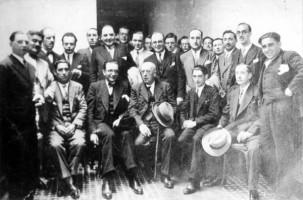 Con Castelao, Vilar Ponte, Lugrís Freire e outros na Coruña